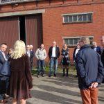 werkbezoek Paas aan boerderij Woldwijk